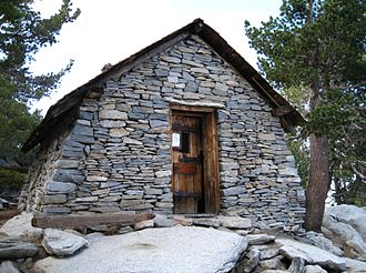 San Jacinto Peak - Image: Hut on Mount San Jacinto