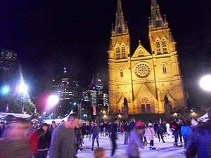 English: Public outdoor Ice Skating outside St...