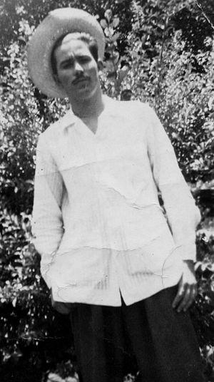 Guayabera - Cuban man wearing a guayabera c. 1956.