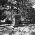 Ijzeren papierbak op begraafplaats - 's-Gravenhage - 20084768 - RCE.jpg