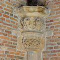 Interieur, detailopname van kapiteel, voor restauratie - Leiden - 20359812 - RCE.jpg