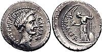 Iulius Caesar denarius 44 BC 851830.jpg