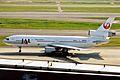 JA8542 1 DC-10-40D JAL HND 10JUL01 (5620001044).jpg