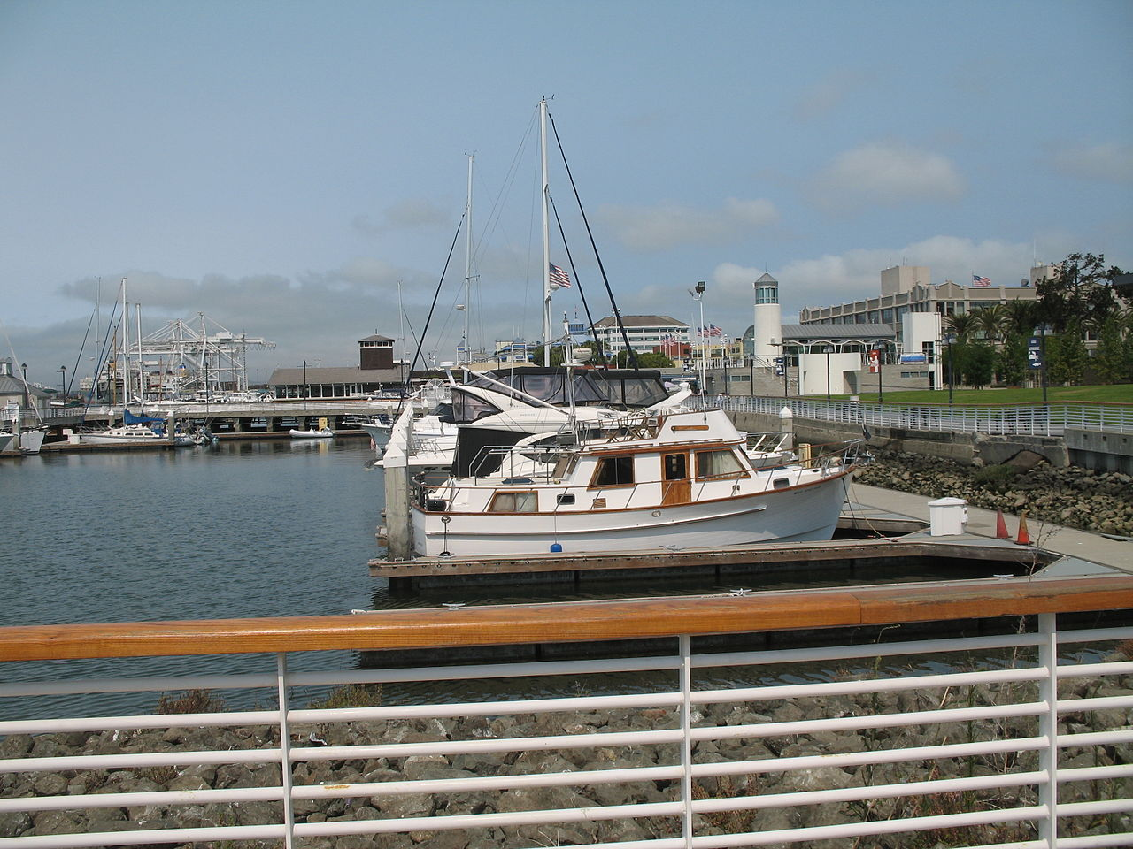 Jack London Square Hotels
