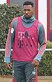 Jerome Boateng Training 2019-04-10 FC Bayern Muenchen-2 (cropped).jpg