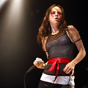 Juliette Lewis - Lewis performing with the Licks at the Eurockéennes 2007