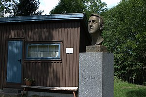 Kåre Holt - Kåre Holts, Holmestrand
