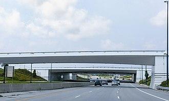 Aircraft bridge - Image: KCMH Crossover Taxiway Bridge 2