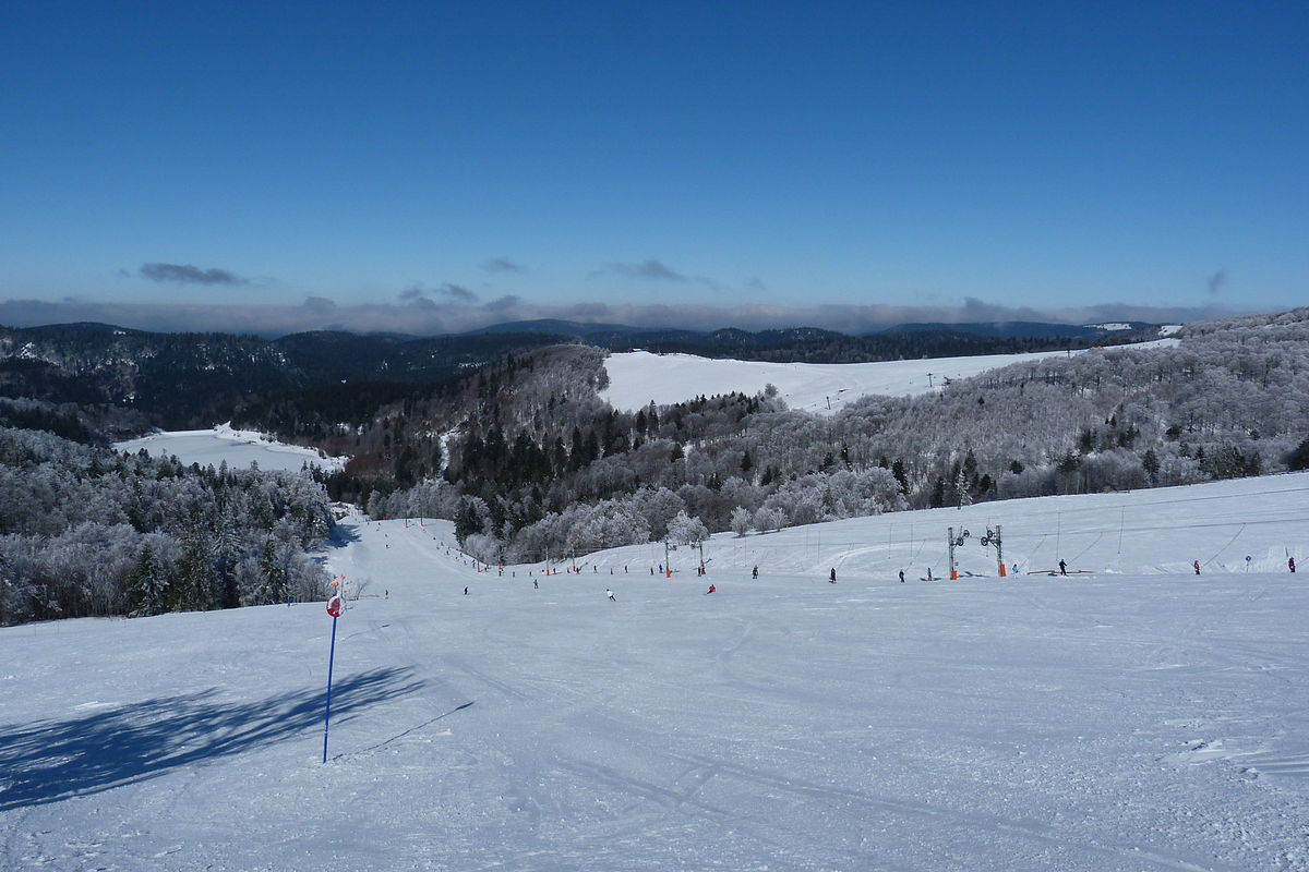 La bresse hohneck wikip dia for Piste de ski interieur
