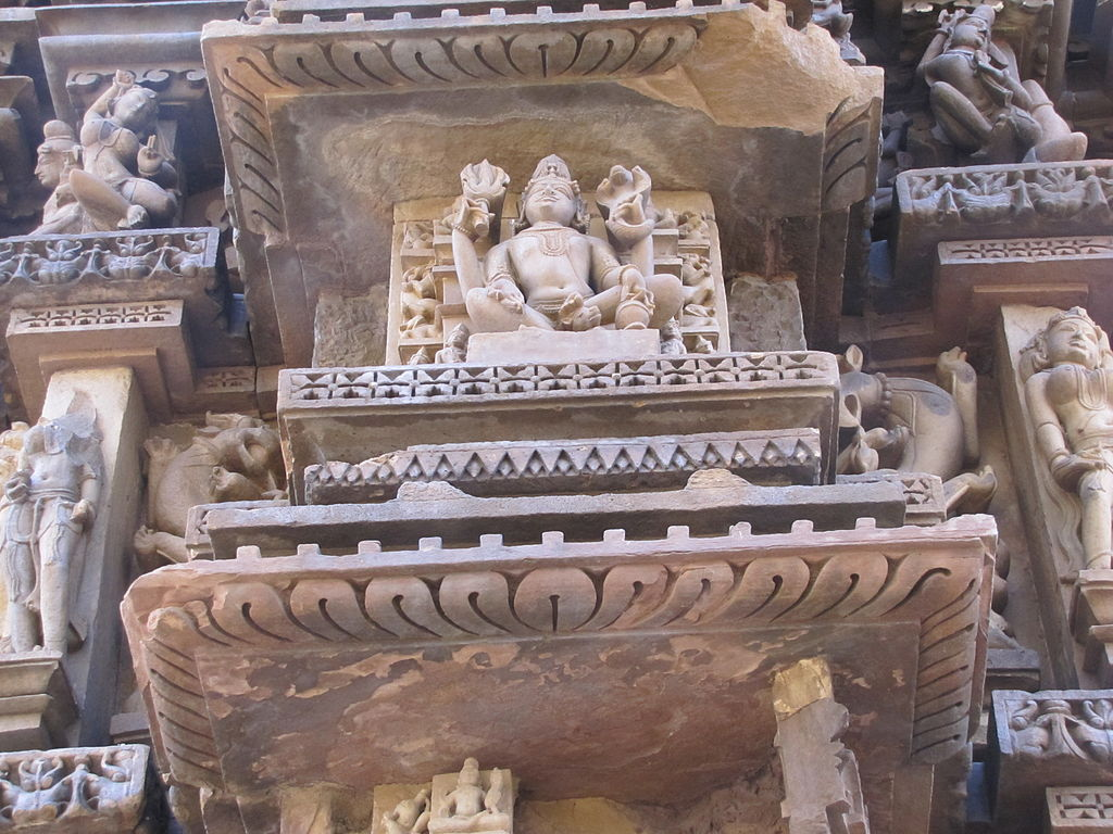 File khajuraho india chaturbhuj temple shiva sculpture