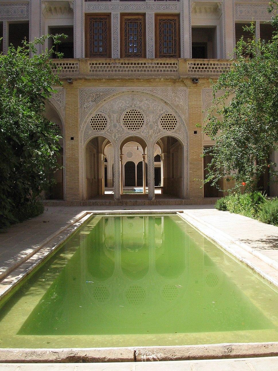 Khaneh-abbasi bassin kashan