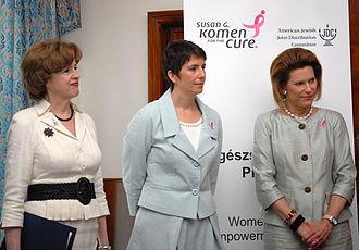 Klára Dobrev - Klára Dobrev (center) with U.S. Ambassador to Hungary April H. Foley (left) and Nancy Brinker, former ambassador to Hungary (right). Budapest, 10 July 2008