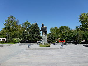Komitas Statues in Ejmicin 002