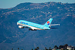 Korean Air Airbus A380 at LAX (22313043974).jpg