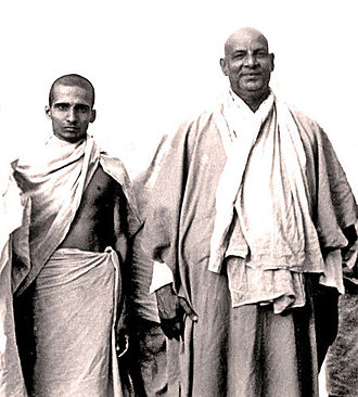 Sivananda Saraswati - Krishnananda and Sivananda (right), circa 1945