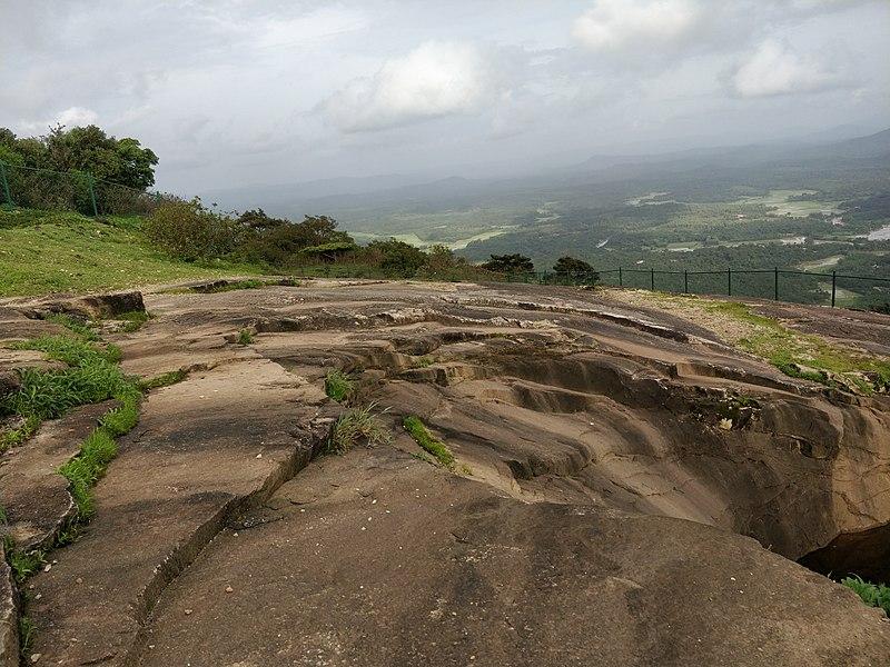 File:Kundadari hills.jpg