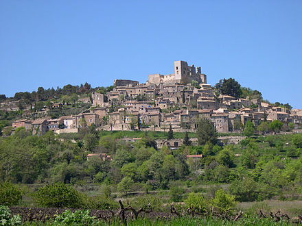 The Chateau de Lacoste above Lacoste, a residence of Sade; currently the site of theatre festivals Lacoste France.jpg