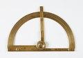 Lantmätarcirkel för horisontell och vertikal vinkelmätning gjord av förggylld mässing,1643 - Skoklosters slott - 92858.tif