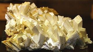Laumontite zeolite mineral