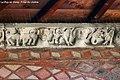 Le Puy en Velay. Frise du cloître.jpg