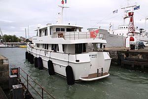 Le yacht à moteur Robert Bruce.JPG
