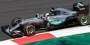 Mercedes F1 W07 Hybrid - Image: Lewis Hamilton 2016 Malaysia FP2 1
