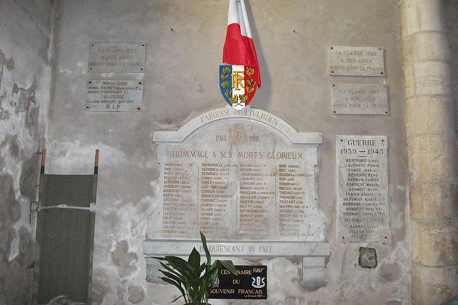 Plaques du souvenir aux morts pour la France en l'église st-Pierre de Liverdun.