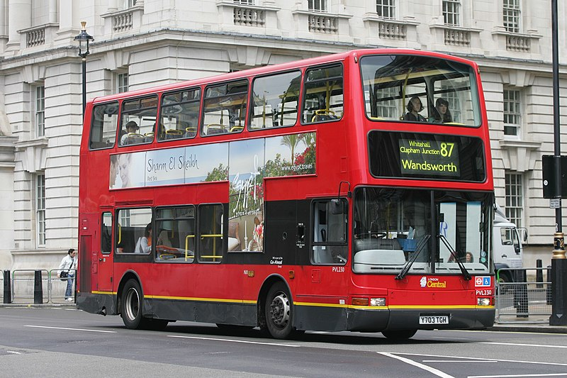 File:London Central bus PVL230 (Y703 TGH) 2001 Volvo B7TL Transbus President, route 87, 10 June 2011.jpg