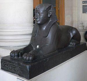 قائمة ملوك مصر (العصر المتأخر ) الاسرات 27-28-29-30 300px-Louvre-antiquites-egyptiennes-p1020361