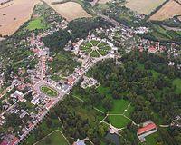 Luftbild Putbus auf Rügen Stadtmitte Zentrum - Ostsee-Insel - Foto Wolfgang Pehlemann Steinberg IMG 0575.jpg