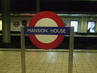 Mansion House stn roundel1.JPG