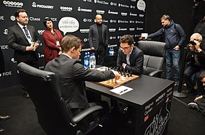 Match Carlsen-Caruana, London 2018.jpg
