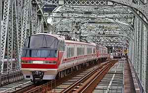 Meitetsu Inuyama Line - A Meitetsu 1000 series EMU on Inuyama Bridge