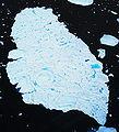 Melting Iceberg upernavik 2007-07-12.jpg