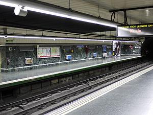 Avenida de la Paz (Madrid Metro) - Image: Metro Madrid Avenida de la Paz