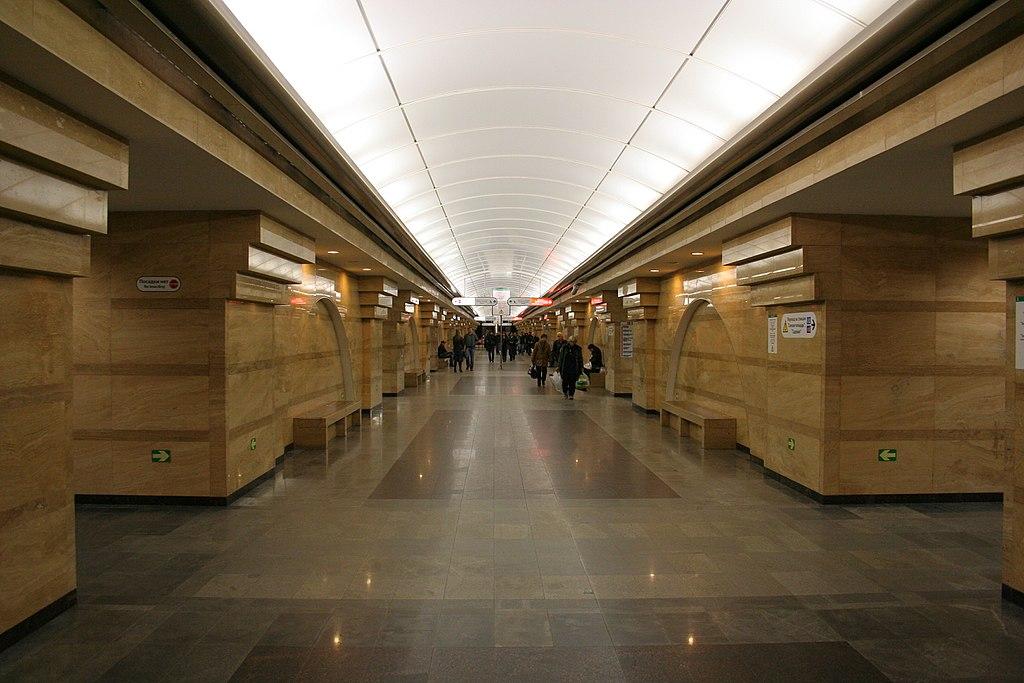 Сломанный поезд затормозил движение на«оранжевой» ветке петербургского метро