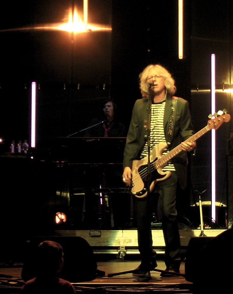 Mike Mills of REM Nov 19 2004.jpg