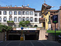 Milano - piazza Borromeo - ingresso parcheggio.JPG