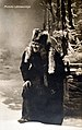 Mimmi Lähteenoja Louhen roolissa Kansallisteatterin Pohjolan häät vihkiäisnäytöksessä 9.4.1901.jpg