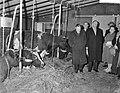 Minister Vondeling opent eerste boerderij van het Argotype in Horssen(Gelderland, Bestanddeelnr 910-0190.jpg
