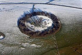 Minninglow Hill Summit - geograph.org.uk - 1194536.jpg