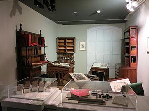 Mobilier du bureau d'Eugène Viollet-le-Duc.jpg
