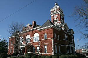 Monroe County courthouse in Forsyth