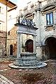 Montepulciano, pozzo dei grifi e dei leoni, 1520, 02.jpg