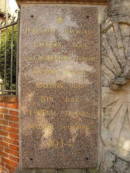 France, Haute-Garonne, Monument aux morts d'Escalquens - Plaque de gauche