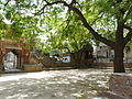 Moth Ki Masjid courtyard (3548318462).jpg