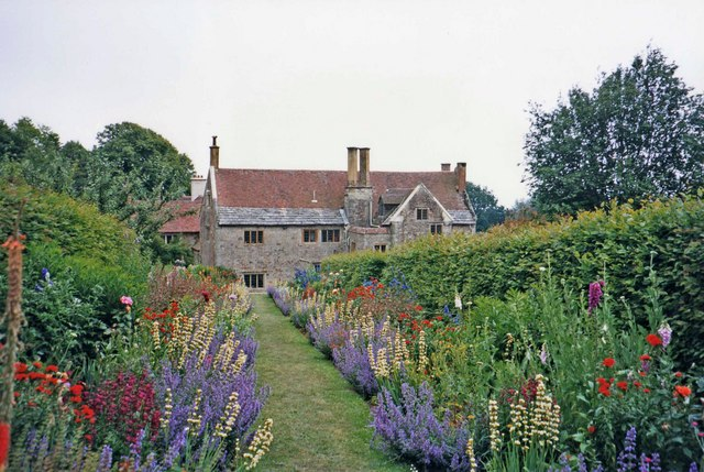 Mottistone Manor and Garden, Isle of Wight - geograph.org.uk - 677455