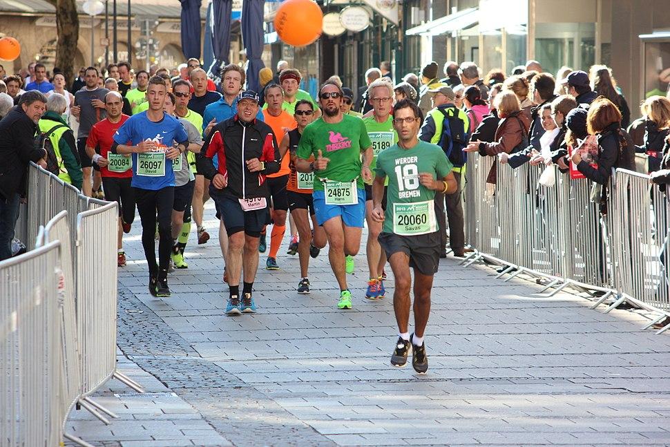 Muenchenmarathon 2013 Marienplatz 003