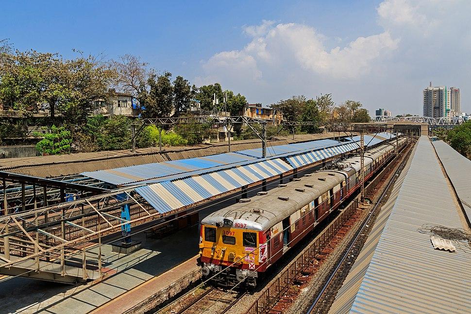 Mumbai 03-2016 55 Vadala Road station