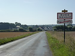 Muncq-Nieurlet (Pas-de-Calais) city limit sign.JPG